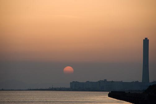 沈む太陽とともに真相は闇の中へ
