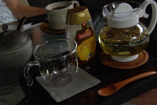 少し寒くなってきたので暖かいお茶を